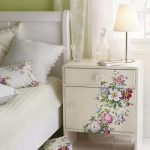 23 Furniture Ideas and Tips: Decoupage