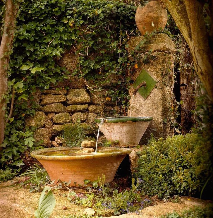 18 secret ideas to plan your hidden garden diy decor - Fuentes de jardin rusticas ...